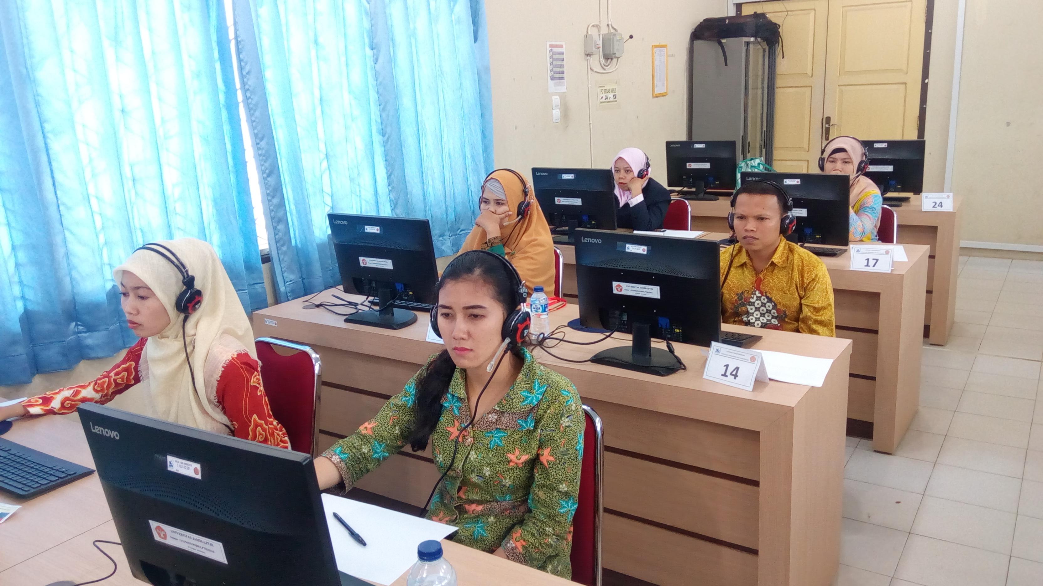 Berlangsungnya Tes TKDA dan TOEP di Universitas Jambi