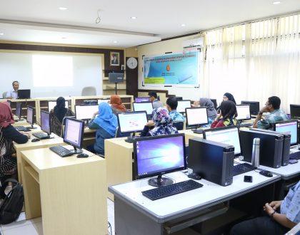 PELATIHAN E-LEARNING MANAGEMENT SYSTEM (EDMODO) UNTUK MENDUKUNG PEMBELAJARAN DI UNIVERSITAS JAMBI