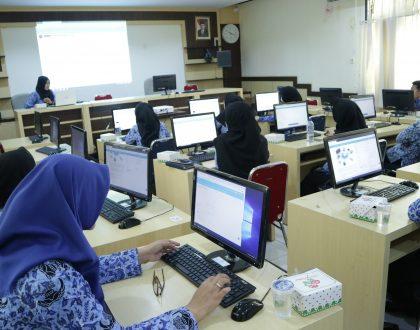 LPTIK MENGGELAR PELATIHAN APLIKASI E-LEARNING UNTUK SEMUA FAKULTAS